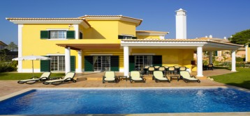 Located at the heart of Quinta do Lago, the Monte da Quinta villas have a truly special atmosphere. Monte da Quinta is set in 4.5 hectares of private grounds with stunning […]