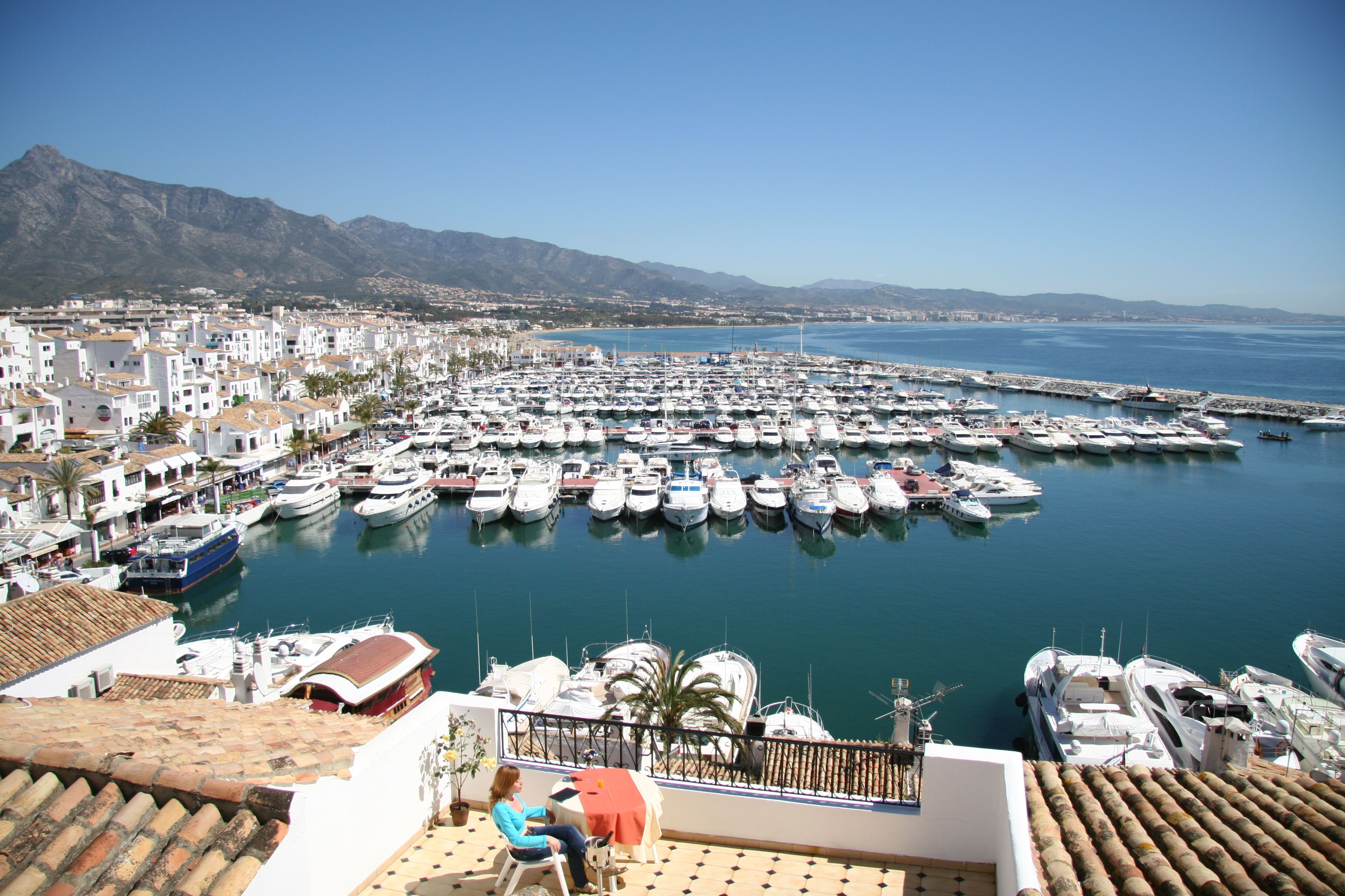Design Holidays are delighted to offer the best rates to stay at the Benabola Apartments in Puerto Banus, Marbella Spain. With a fine selection of 1 , 2 & 3 […]