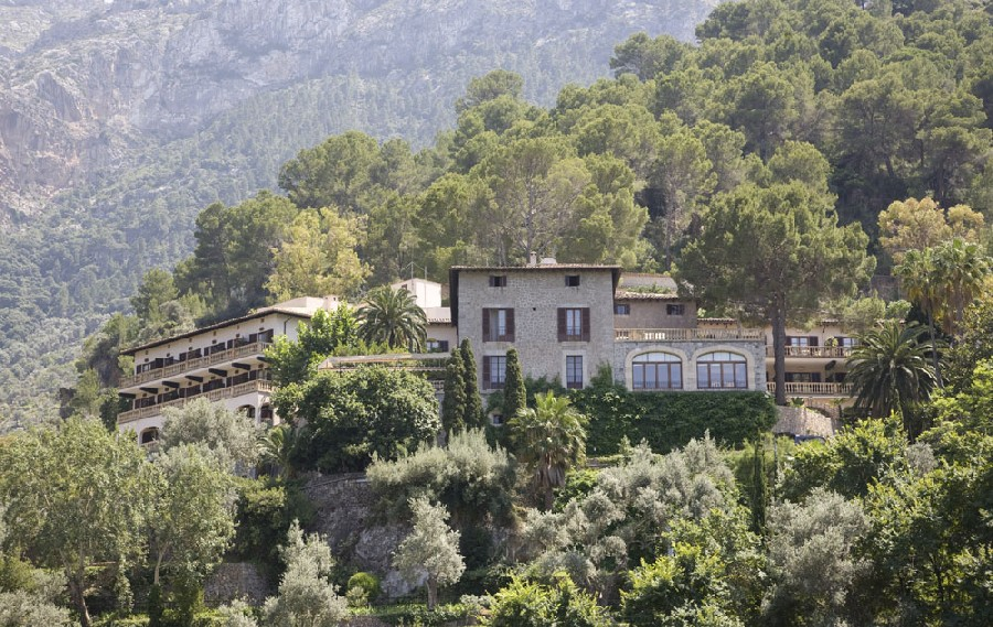 Luxury hotels mallorca this september luxury holidays for Design hotel mallorca